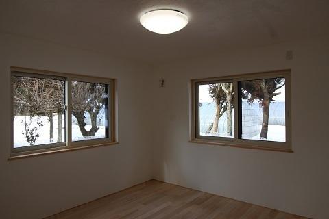 1階寝室 (1).JPG