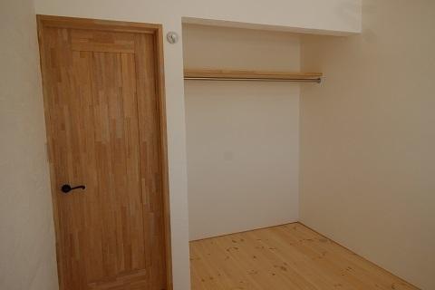 2階洋室 (1).JPG