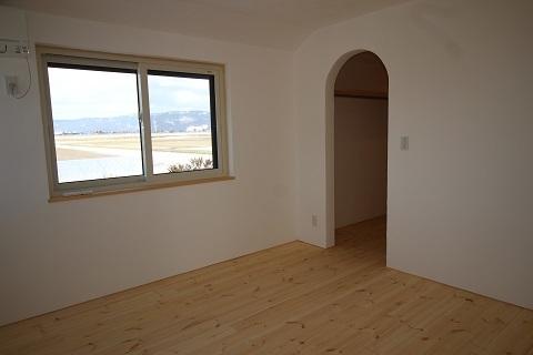 2階主寝室 (1).JPG