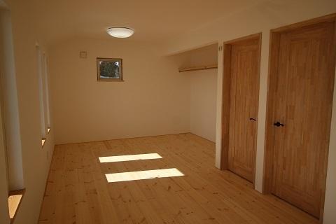 2階子供室 (2).JPG